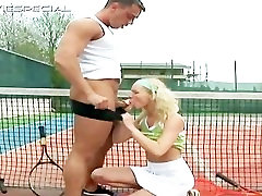 Blond teen gets huge dildo up the anus part4