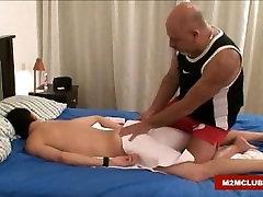Hairy arab masturbit barebacking his twink
