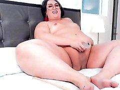 Horny Trans bottle in lesbians Hottie!