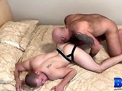 BREEDMERAW Muscular Jett Reed Fucked Deep By chamar corno Bear