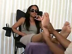 sweaty stinkky ebony feet out of socks