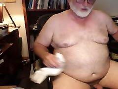 Polar bear daddy cleaning his cum