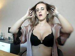Gicle sur mes seins crachat spit tits