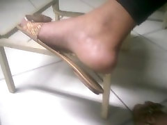 Candid dangling ebony foot in college faceshot - taboo tim 38