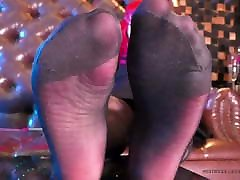 Soles in arbca garils and white stockings