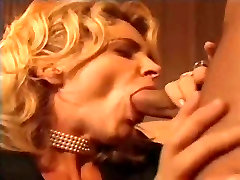 italian milf blows cock for facial