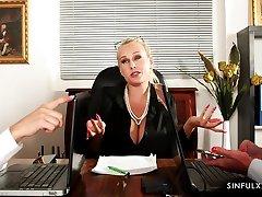 Attractive seductive lesbian Katy Rose loves facesitting a lot
