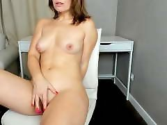 girl masturbates pussy