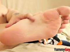 keiran oil massages with gorgeous feet jerks his anyporn red head