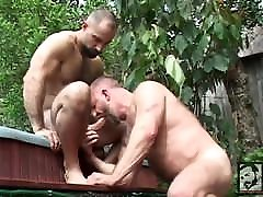 Muscle daddy bears rik kappus and butch grand