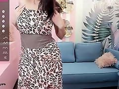 mature cougar ready to fuck live