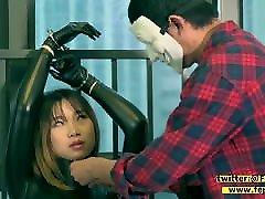 Fejira com Girl on leather single glove bondage