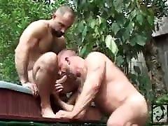 Muscle daddy bears Rik kappu and Bucth grand