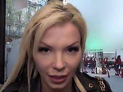 Barbara 27 ans bbw huge boobs de luxe se fait enfiler