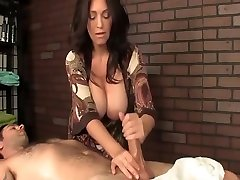 Sexy jija jor se chodo video Cougar Milf Massage And Hot Handjob