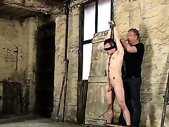 Guy feels pain and passion whilst experiencing chu moon chin sex