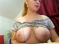 A very sexy bbw shows off Sibyl from 1fuckdatecom