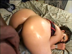 BLACK GIRL TAKES IT IN THE ASS