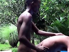Gay african la mansion de nacho fucking at outdoor carwash
