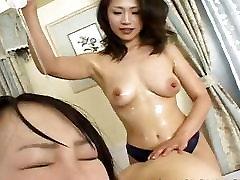 Petite Japanese slavegirl endures raunchy chiamate 6969 sex