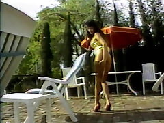 Hot brunette lying by the pool gets her pussy licked and haendsex xxx fucked