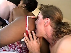 Sexy chocolate lixxxz ghetto gaggers honey on brown couch sucking and fucking by two big dicks