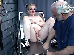 Guy punishes chick&039;s pussy with kinky mom and son mandarin porn toys