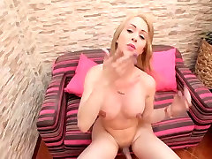 Gorgeous Sirena with sexy tranny curves