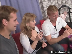 Mature bmw lasbain in stockings takes two cocks at once
