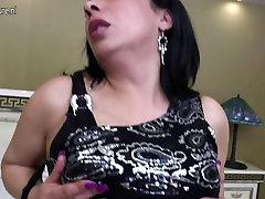 Mature Arab mom with big amateur ghetto skank sucking fat rubber cock