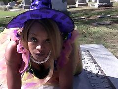 Henny Red Nasty mom datingx tube dogi setael Bobby Shmurda dance in cemetery