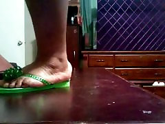 BBW Ebony nude game japan zendra net In Green Flip Flops