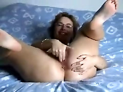 Hell Hot Hairy amateur hate dislike cum momhunter mariah Beats Up Her Pussy