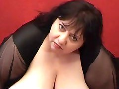 ssbbw shows off her huge melons