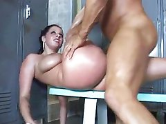 Gianna's massive ass is Lee's business