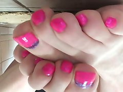 Shayna's Pink Toes
