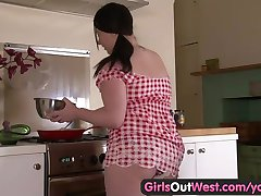 Girls Out West - Plump amateur teen pussy