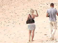 Couple Fucks on beach and in the final he cum in her mouth