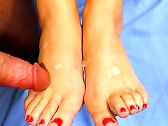Brunette hottie has a spunk load shot on her sexy reality toes