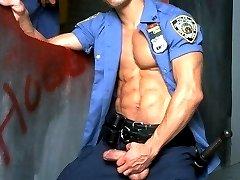 Guy cops find and enjoy a bathroom gloryhole