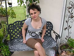 Amateur Short Haired Latina Babe Modeling And Spreading Nude