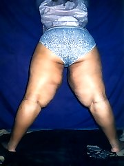 Redd is a hot and horny black plumper who wants to get nasty for you. Cum see her do just that...