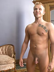 Southern stud Rob Ryder is a hot bi guy who has never been tied up and edged, so Jessie and...