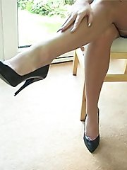 Here you are sexually invited to another session with gorgeous dirty babe Michelle, who in that sultry voice of hers talks personally about those things which most turn you on with her in high heels