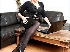 sexy secretaries in stockings and pantyhose at officegirls