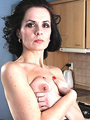 Mature housewife still likes to work out that pussy