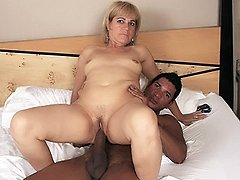Expert mature Milf Chamara mouthing a thick pole then goes to work railing cowgirl