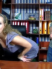 Hot-assed secretary seduces her boss into a pantyhose quickie on the desk