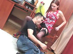 Sporty babe with strap-on doing fucking exercises while drilling guy�s butt