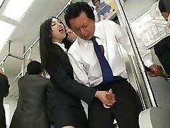 Asiatiske Handjob I Buss